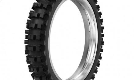O pneu traseiro SR 39 aro 19 foi testado por Pipo Castro e Ratinho Lima