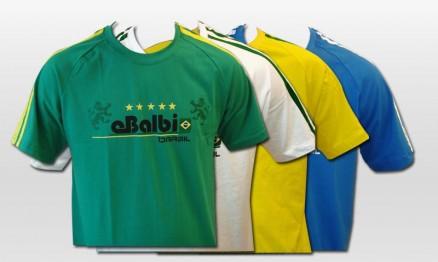 A camiseta tem as cores do Brasil