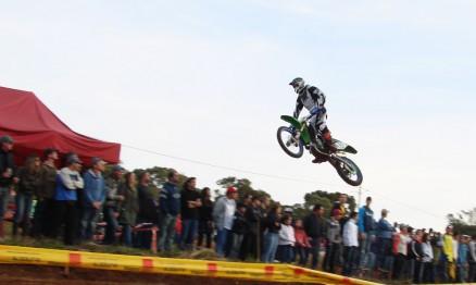 Léo Sebben venceu na MX1 a principal categoria do Motocross