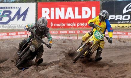 Pega entre Davis Guimarães e Nielsen Bueno na MX3