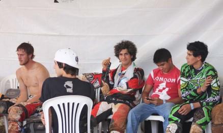 Pilotos latinos estarão em Rondônia entre eles Jetro no centro da imagem