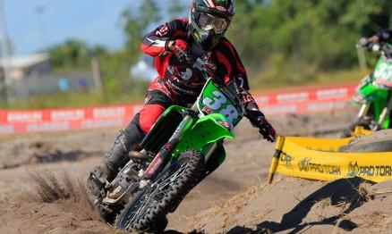 Ratinho é piloto da equipe Vaz/Rinaldi/Kawasaki