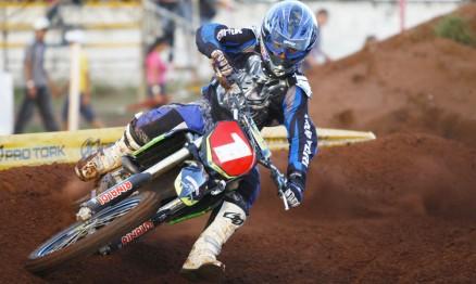 Cantero é o líder do Paraguaio de Motocross na MX1