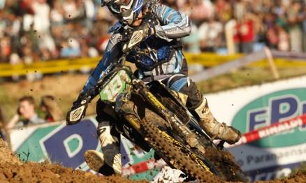 Scott Simonj é o líder do Brasileiro de Motocross na MX1 e MX2