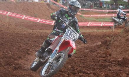 Paulo Stinghel compete na categoria MX3