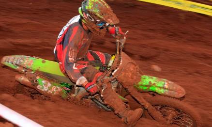 Ratinho enfrentou o barro da pista de Foz do Iguaçu