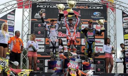 Pódio da MX1 no GP da Suécia com Cairoli no ponto mais alto