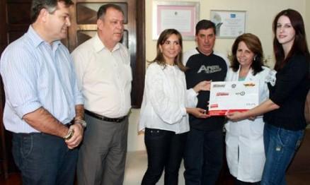 Entidades receberam cheque da prefeita Dárcy Vera