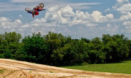 Stewart vem treinando forte em suas pistas na Flórida