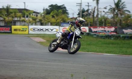 A piloto Sabrina Paiuta compete na categoria SM3