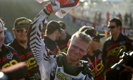 Canard comemorou com sua equipe o título de campeão no MX