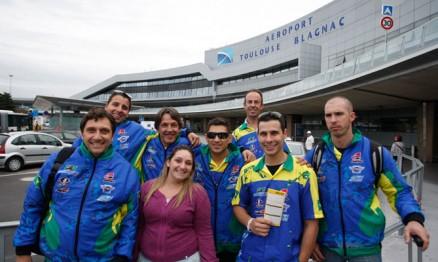 Equipe brasileira do Supermoto chegou hoje na França