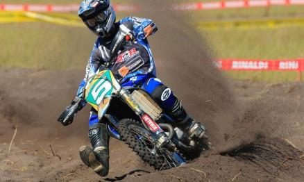 Pipo só está atrás de Scott Simon no Brasileiro de Motocross MX1