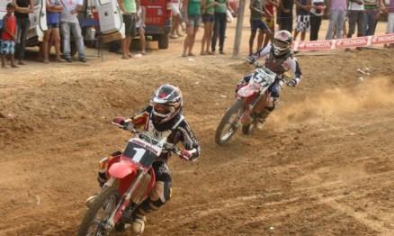 Marco Túlio e Hugo Amaral lutam pelo título na MX2