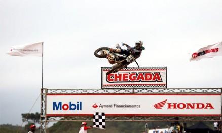 Jorge Balbi Jr. venceu a categoria MX1 em Canelinha