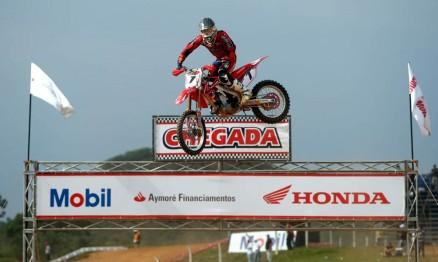 SZ foi o piloto mais rápido dos treinos em Canelinha