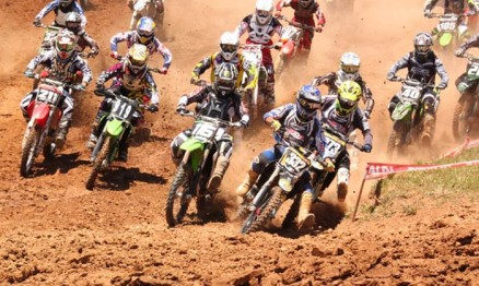 Largada da categoria MX Júnior em Siqueira Campos