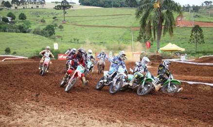 Largada da categoria MX1 em Machadinho