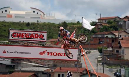 Wellington Garcia venceu a última etapa da categoria MX2