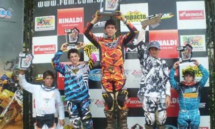 João Pedro venceu e comemorou título na categoria 85