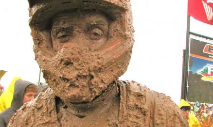 O homem lama aí da foto é o gaúcho Vitor Paladini