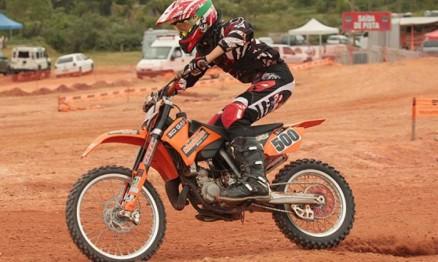Rodrigo é o campeão do Catarinense de Motocross 2010 na 85