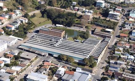 Imagem aérea do parque fabril da Rinaldi