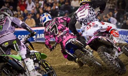 Villopoto, Stewart e Tedesco em ação em Anaheim2