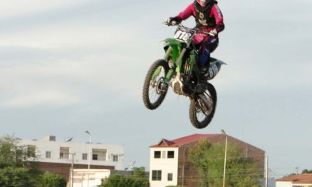 Nay Farias compete Motocross na região nordeste