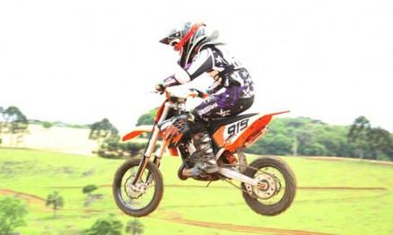 Gabriel foi campeão Gaúcho de Motocross 2010 na categoria 65