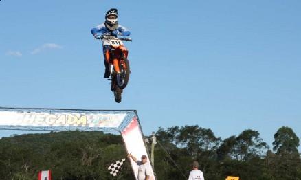 Roratinho disputou o Gaúcho e o Brasileiro de MX com uma KTM 105 2T