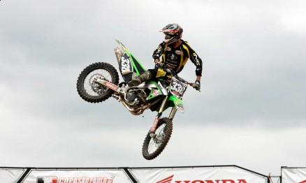 Dudu Lima é piloto da equipe oficial Vaz / Rinaldi / Kawasaki