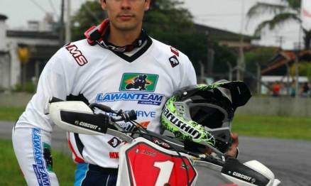 Rafael vai correr no Mundial de Supermoto 2011