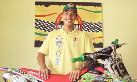 Júnior Cão tem planos de fazer toda temporada da Superliga 2011