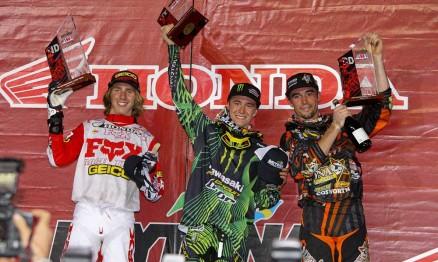 Justin Barcia, Blake Baggett e Ryan Sipes no pódio da Lites em Daytona
