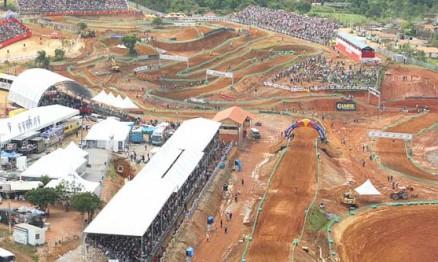 Público lotou o motódromo de Canelinha no Mundial de MX em 2009