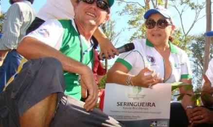 Reinaldo Selhorst da ABPMX e Katia Hernane em ação em Rondônia