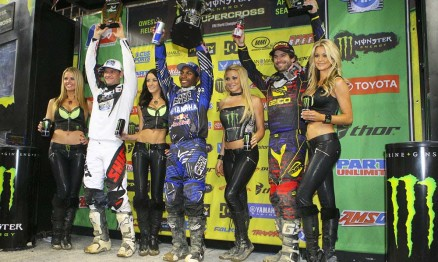 Reed, Stewart e Windham no pódio da categoria Supercross
