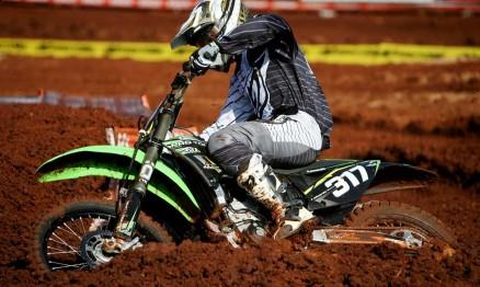 Carlos Eduardo é um dos jovens talentos do Motocross brasileiro