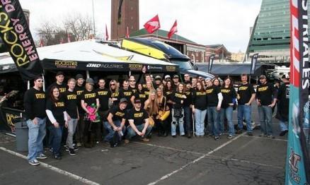 Membros da equipe Rockstar / Suzuki em Seattle