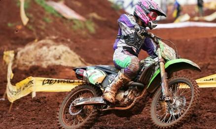 Mari Balbi é uma das melhores no Motocross Feminino do Mundo