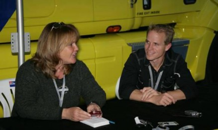 Jeannie (mãe de Ricky Carmichael) ao lado do preparador Aldon Baker
