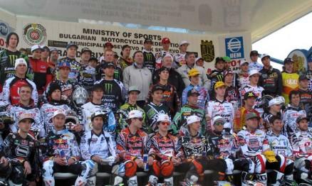 Foto dos pilotos na etapa de abertura de mais um Mundial de MX