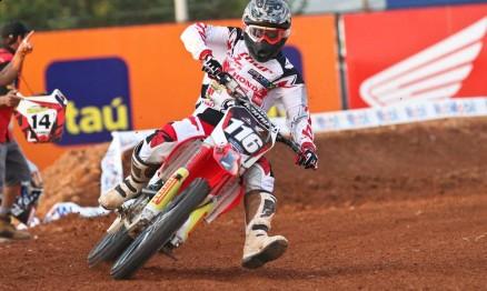 Rafael Faria venceu a primeira bateria do ano na categoria MX2