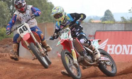 Vídeo da Superliga de Motocross em Poços de Caldas
