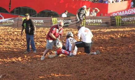 Jorginho Balbi caiu na largada da segunda bateria da MX1