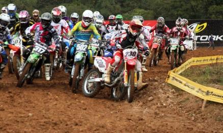 Largada da categoria MX2 em Carlos Barbosa
