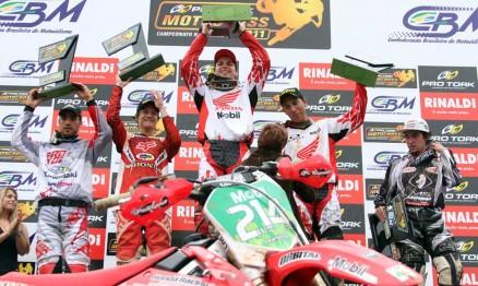 Pódio da categoria MX1 em Carlos Barbosa