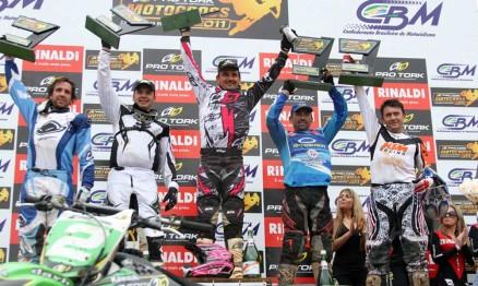 Pódio da categoria MX4 em Carlos Barbosa