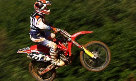 Endrews Armstrong finalizou em vigésimo terceiro na classificatória da MX2